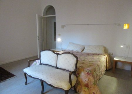 Florence S Lorenzo single room